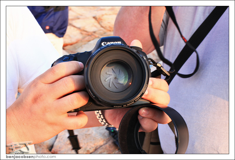 IMAGE: http://gear.benjacobsenphoto.com/wp-content/gallery/sigmalux-vs-50l/img_0476.jpg