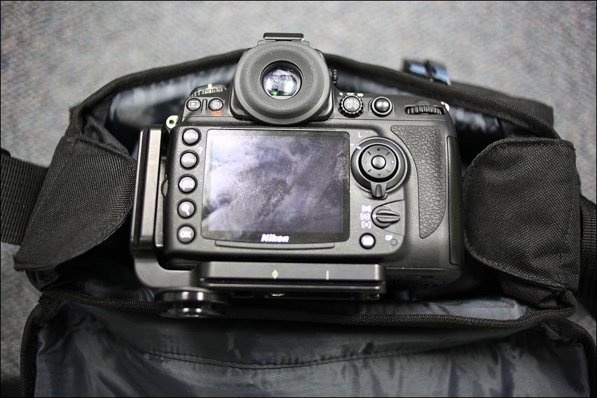 IMAGE: http://gear.benjacobsenphoto.com/wp-content/gallery/tamrac-5534/img_4359.jpg
